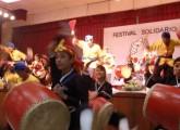東日本大地震の被災支援を目的とした親善フェスティバルを通して若い日系人が義援金活動