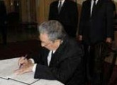 Raul Castro Sends Condolence Message to Japan